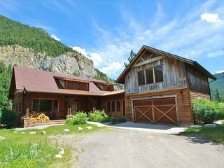 Crooked Canyon Lodge