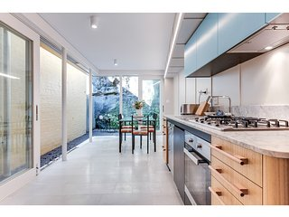 Renovated terrace in the heart of historic Sydney