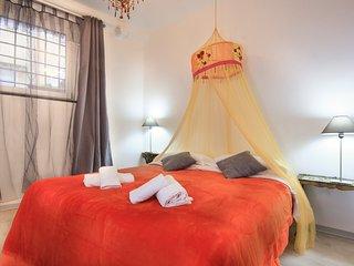 Pequeña suite con patio en el del distrito más característico de Roma - DIAMONDS