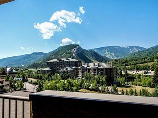 Walk to Riverfront Gondola, Easy Bus Location into Vail, Walk to Dining, Library