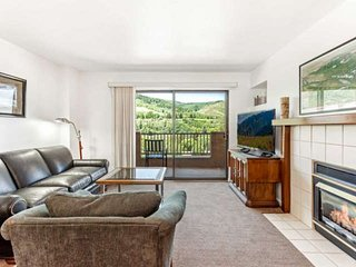 Walk to Riverfront Gondola, Nottingham Lake, Dining and more. Convenient Heart o