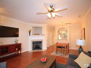 Cozy & Loving Townhome in Durham