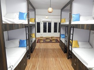 Backpackers inn Business Ac capsule Bed