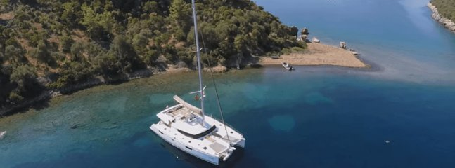 All Inclusive Catamaran for Island-Hopping in BVI!