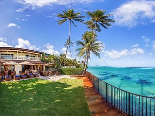 Palm Tree Estate on exclusive Kahala Avenue.  Private, Oceanfront & Gated!