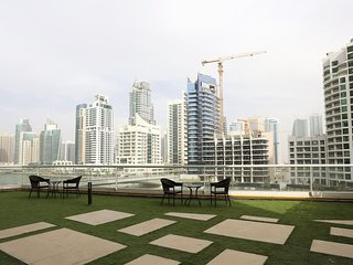 2 BR Apartment with a Huge Terrace with Marina Views