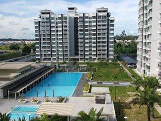♡ RoomStay ♡ BR2 - 2 Pax - Sri Utama Condominium