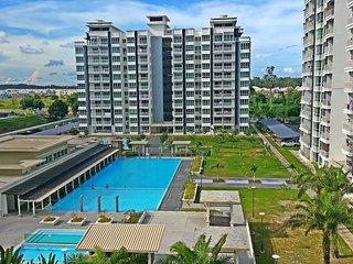 ♡ HomeStay ♡ - 6 Pax - Sri Utama Condominium