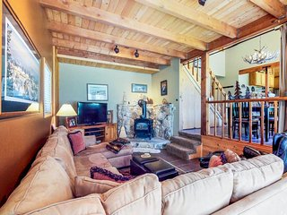 NEW LISTING! Comfy cabin w/ shared pool, tennis & more-close to golf, ski & lake