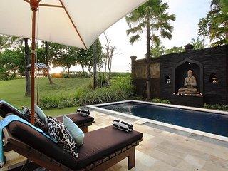 Garden & Pool View - Villa Arjuna
