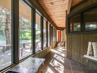 NEW LISTING! Dog-friendly, riverview cabin w/amazing views, private hot tub