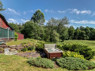 NEW LISTING! Classic home w/ hot tub, ping-pong/pool tables & Camel's Hump view