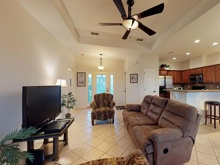 NEW LISTING! Golf community condo w/ shared pool, hot tub, fitness room