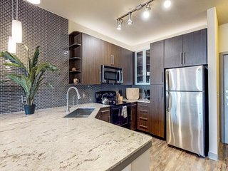NEW LISTING! Downtown Dallas apartment w/ shared pool