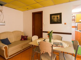 Cozy room close to the center of Dubrovnik with Parking, Internet, Air condition