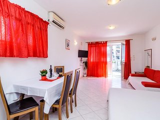 Cosy studio close to the center of Dubrovnik with Parking, Internet, Washing mac