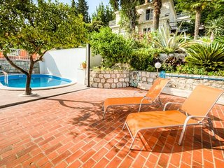 Cozy room in Mlini with Parking, Internet, Air conditioning, Pool