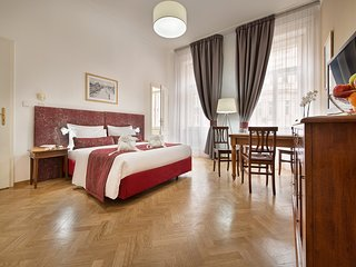 Cozy building very close to the centre of Prague with Lift, Air conditioning, Te