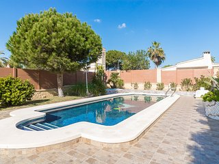 Luxury villa 150 meters from La Zenia beach