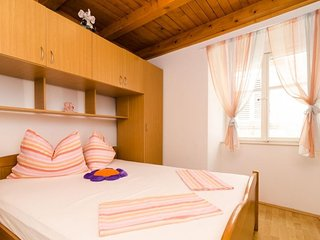 Bedroom in the center of Dubrovnik with Internet, Air conditioning (989439)