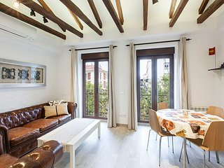 Apartment 473 m from the center of Madrid with Internet, Air conditioning, Lift,