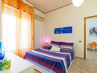Apartment in the center of Naples with Internet, Lift, Washing machine (1004027)