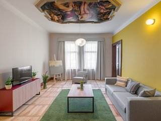Spacious apartment in the center of Prague with Lift, Internet, Balcony