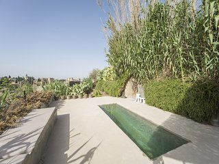 Apartment 184 m from the center of Granada with Internet, Pool, Terrace, Garden