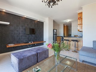 Apartment 15 m from the center of Cape Town with Internet, Pool, Air conditionin