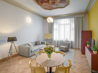 Spacious apartment in the center of Prague with Lift, Internet