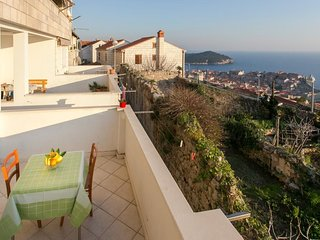 Cozy apartment in the center of Dubrovnik with Parking, Internet, Washing machin