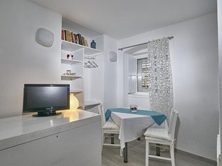 Studio apartment in the center of Dubrovnik with Internet (989467)