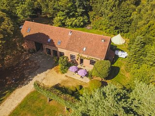 Renovated farm 22p, splendid views, large rooms, lots of space within nature