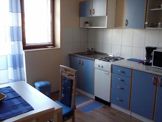 One bedroom apartment Cres (A-12609-b)