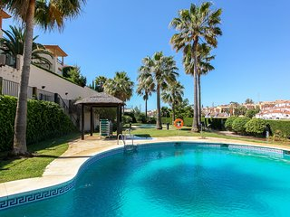 3BR Townhouse near the Golf Courses - Miraflores Real