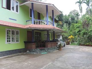 Wayanad stay is a coffee plantation homestay in Wayanad hosted by Paul 'n' Susan