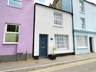 THE OLD TUCK SHOP, character, spacious retreat, in Deal, Ref 974099