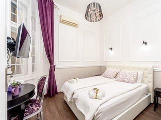 Whitenest Glamour apartment