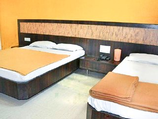 Budget room for 4 near Shirdi railway station