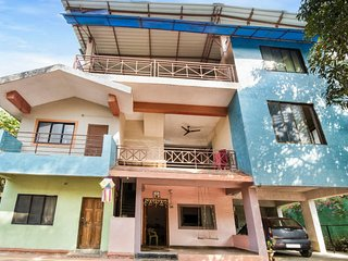 Capacious room for backpackers, 1.5 km from Nagaon Beach
