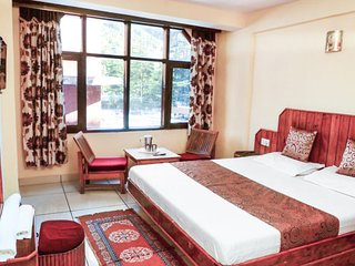 Comfy stay ideal for close group of friends on Mall Road