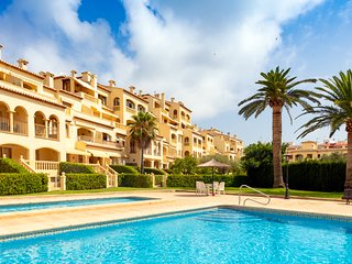 Superb top floor 2 bedroom apartment with WIFI, in Javea, Alicante.
