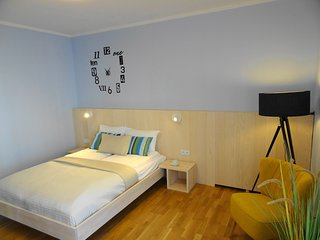 Comfortable studio in Pokorna 2, 5 min to Dw Gdanski metro station
