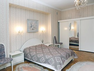 Warsaw Holiday Apartment 11835