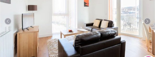 Bright sitting-room with great views and high speed internet, BT sports Netflix a