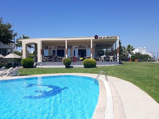 FAMILY VILLA WITH OWN POOL FREE USE OFONSITE AQUAPARK, TENNIS & FITNESS CENTRE