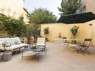 Up to 24 guests. Amazing MARGANA PALACE in the Jewish Ghetto of Rome