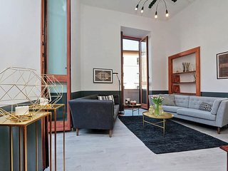 Huge apartment for big groups in Campo de Fiori.