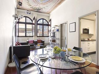 Close to Cavour, bright and comfortable apartment for 4 people