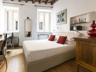 Modern and cozy apartment in Campo de Fiori, close to via GIULIA